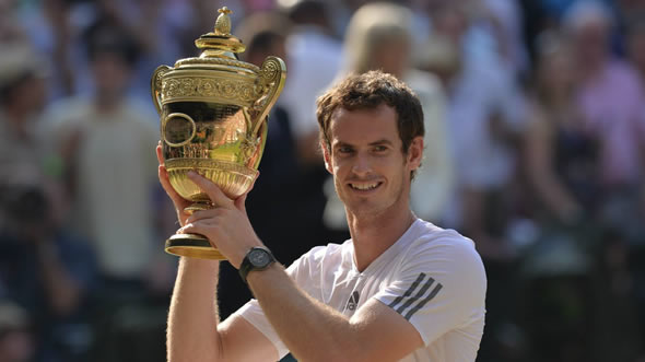 murray-trophy-wimbledon-2013